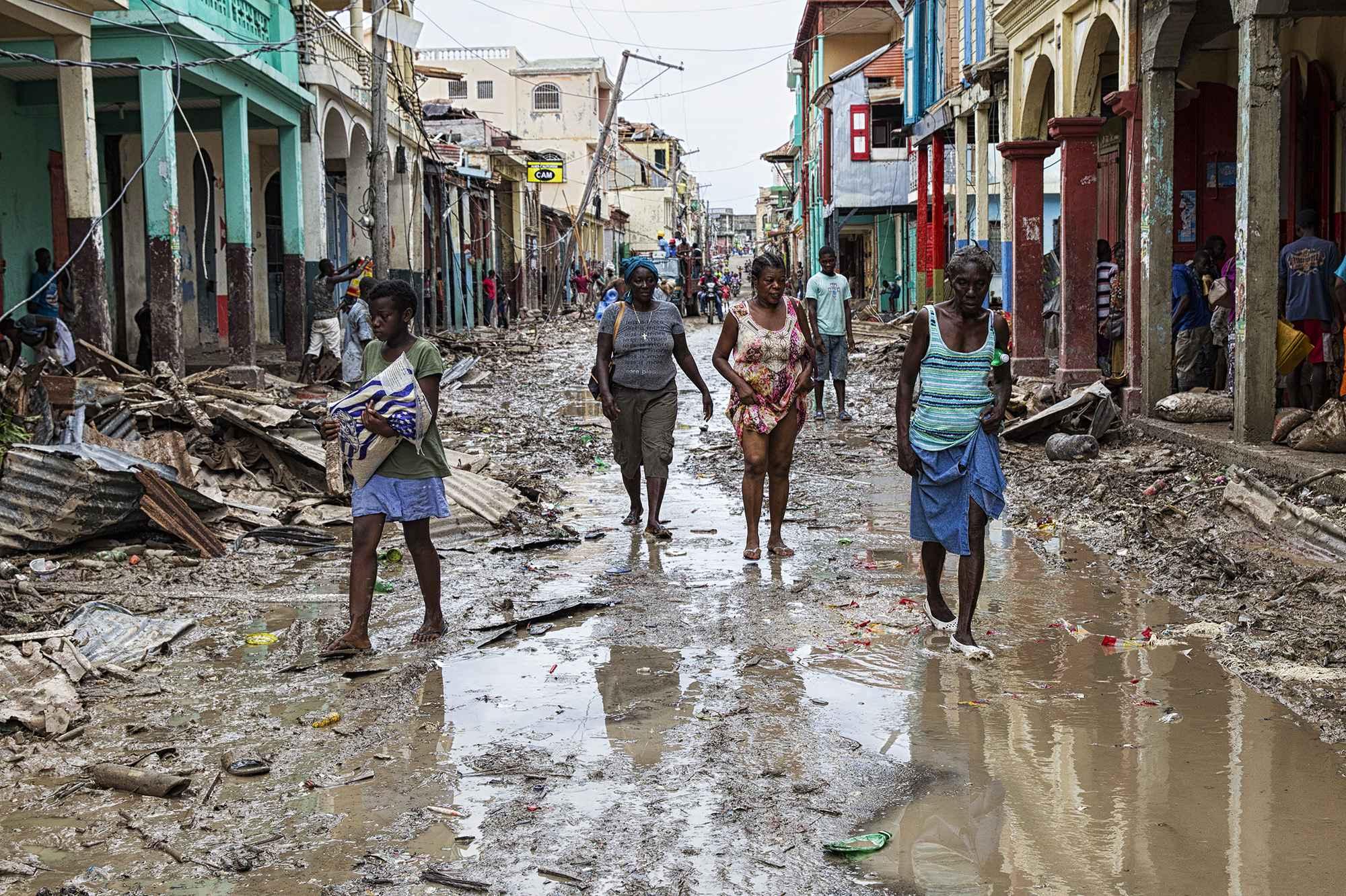 Comment s'appelle l'ouragan qui a touché la semaine dernière les côtes haïtiennes ?