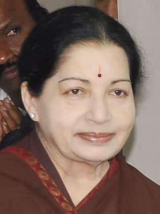 Quelle personnalité indienne et icône de la vie politique est décédée lundi 5 décembre ?