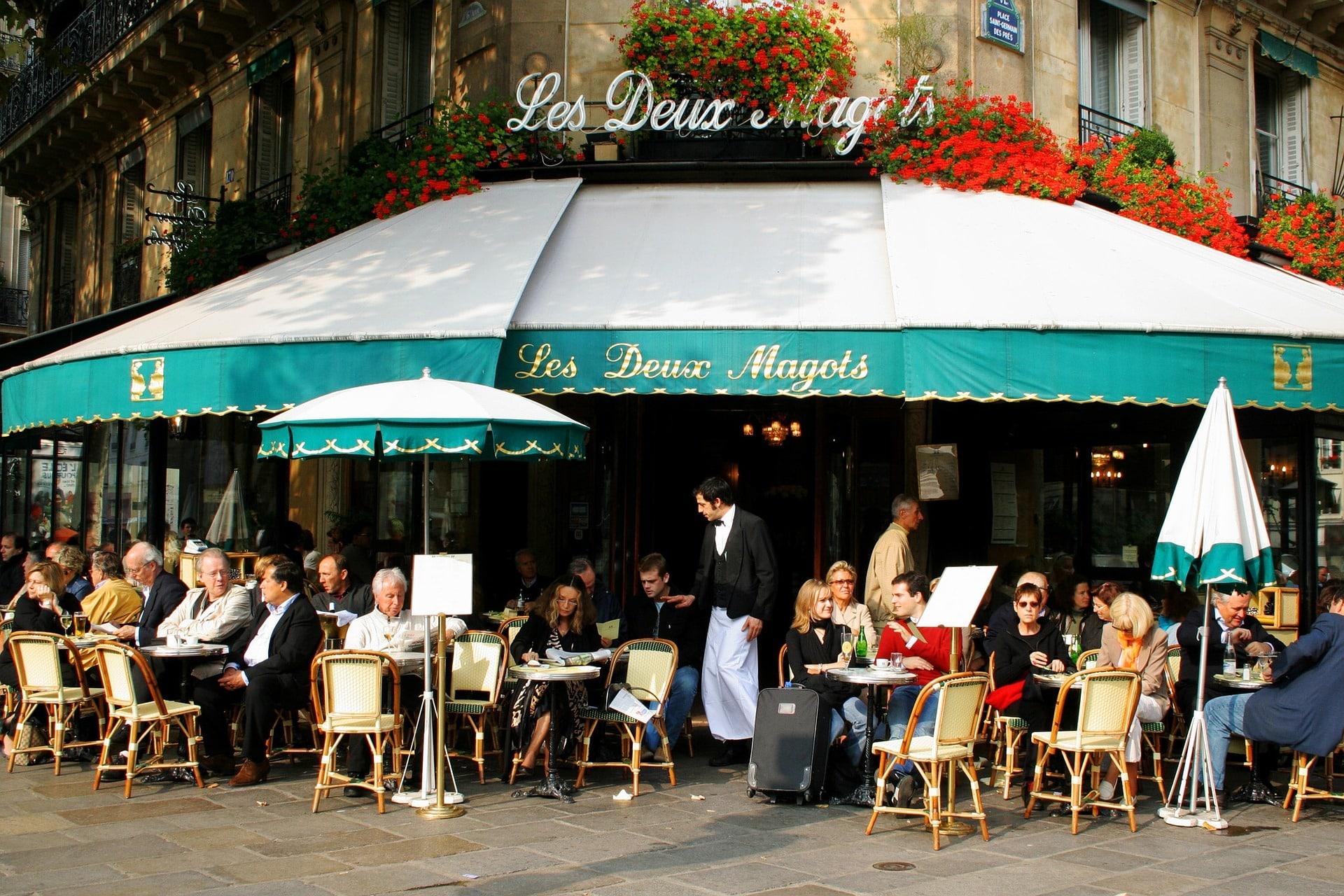 Combien de terrasses de café extérieures dénombre-t-on à Paris ?