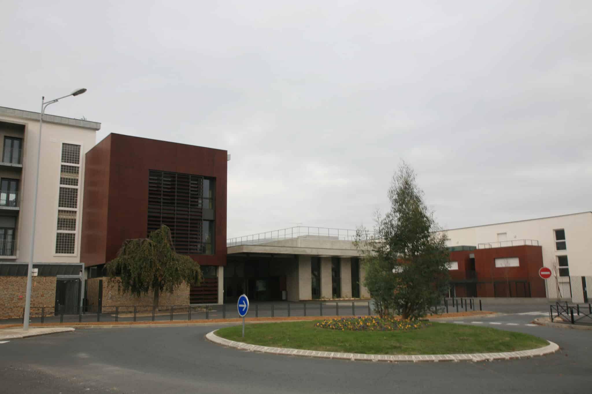 Lycée Jacques Amyot
