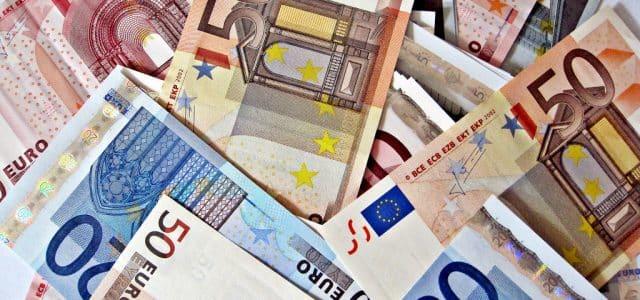 La hausse des droits de douane appliquée sur les produits européens par Washington depuis le 18 octobre s'élève à...