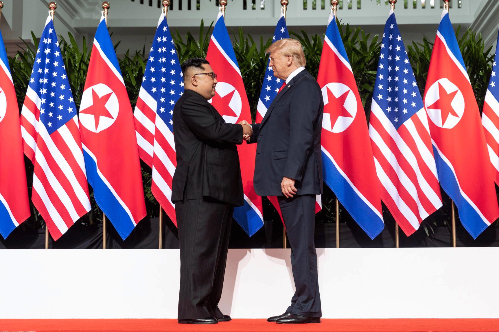 Donald Trump et Kim Jong-Un ont annoncé cesser leurs discussions.