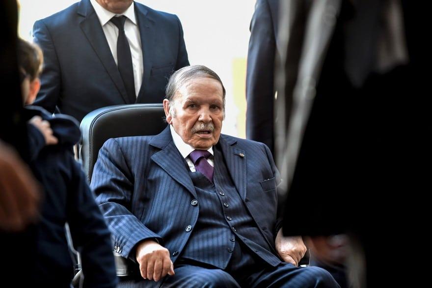 Bouteflika a finalement choisi de démissionner avant la fin de son mandat.