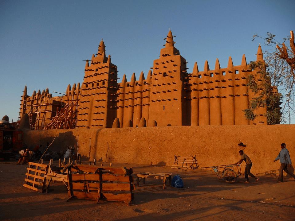 Le premier ministre malien a démissionné à la suite...