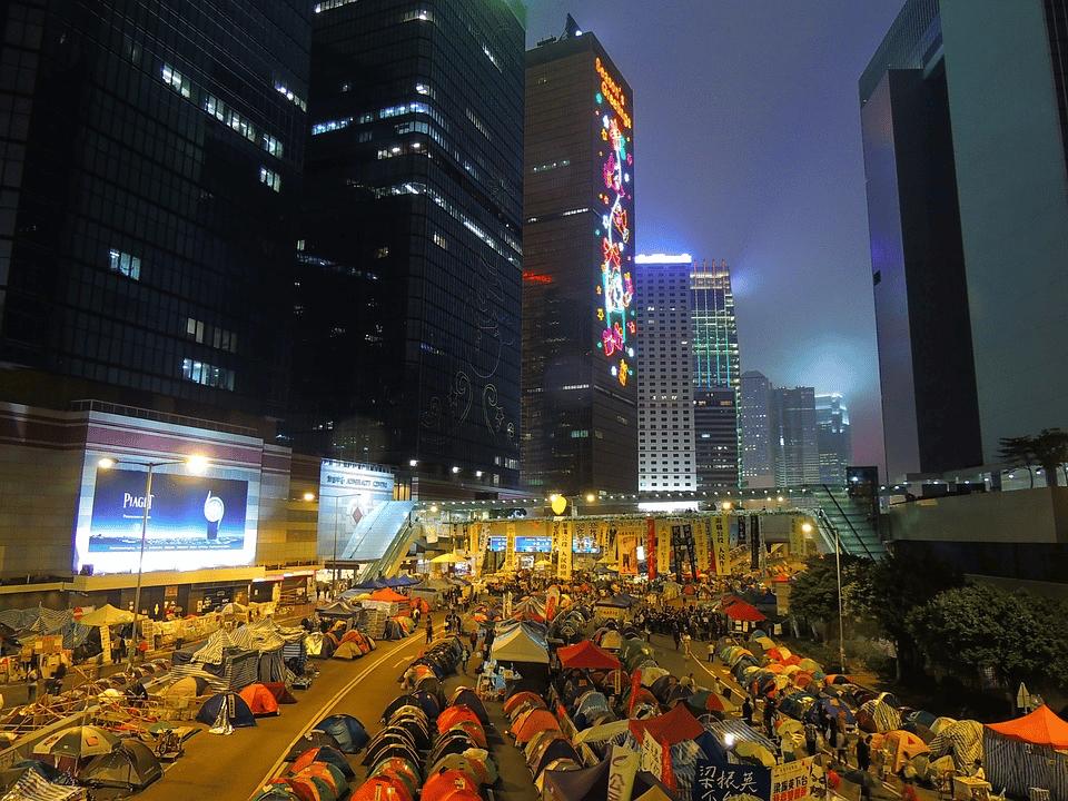 À Hong Kong, des manifestations massives ont eu lieu...