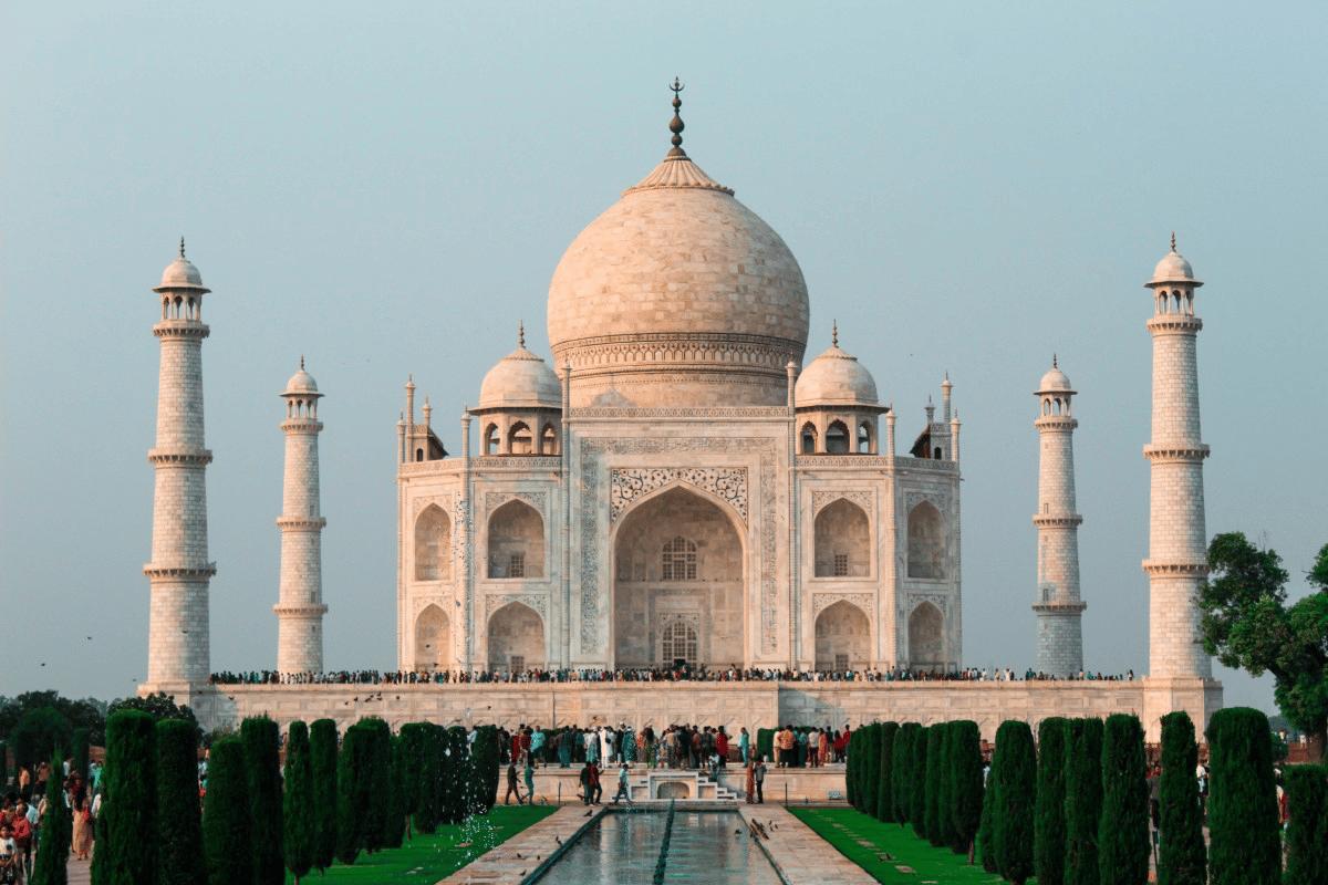 Le taux d'imposition en Inde va être ramené à...